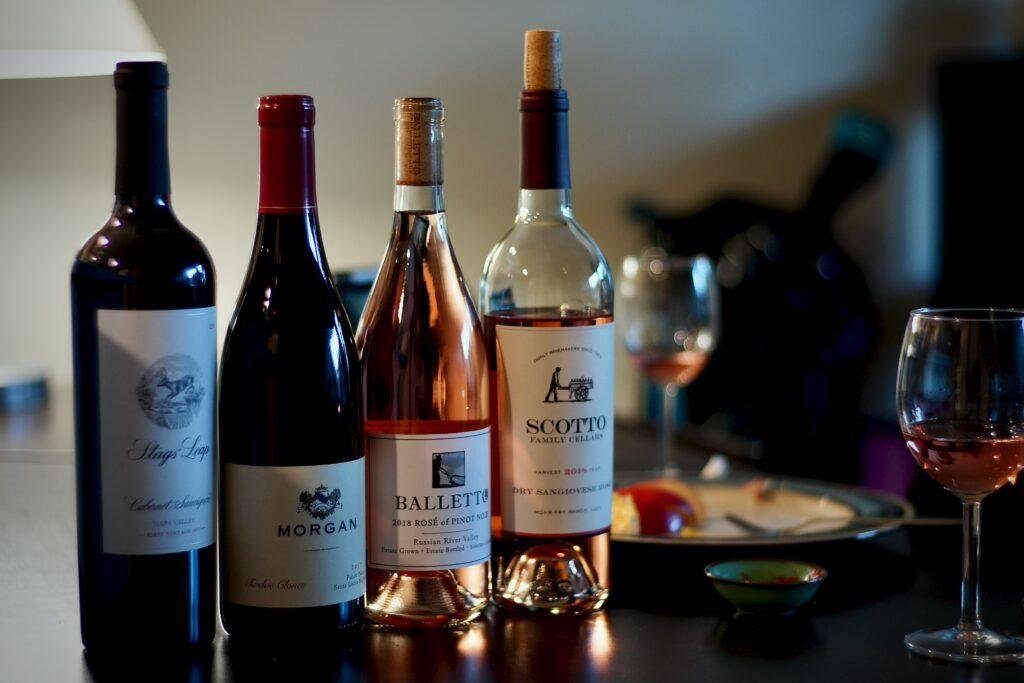 Valentinstag zu Hause Weinverkostung